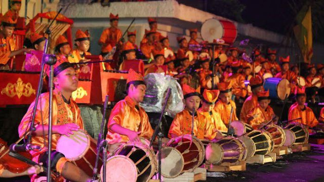 Konser Lalare Orkestra di Gesibu.