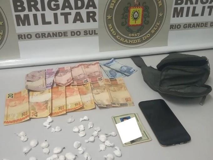 Brigada Militar realiza prisão por tráfico de drogas na Morada do Vale em Gravataí