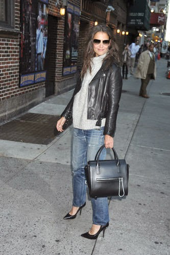 Katie Holmes shows convertible style