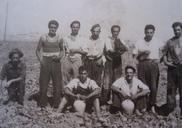 leganes_bn_V_Abuelohara_años40_trabajadores_en_la_huerta