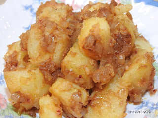 Cartofi taranesti de post reteta traditionala de casa dobrogeana retete culinare mancaruri cu legume cartofi prajiti cu ceapa si boia la ceaun garnituri,