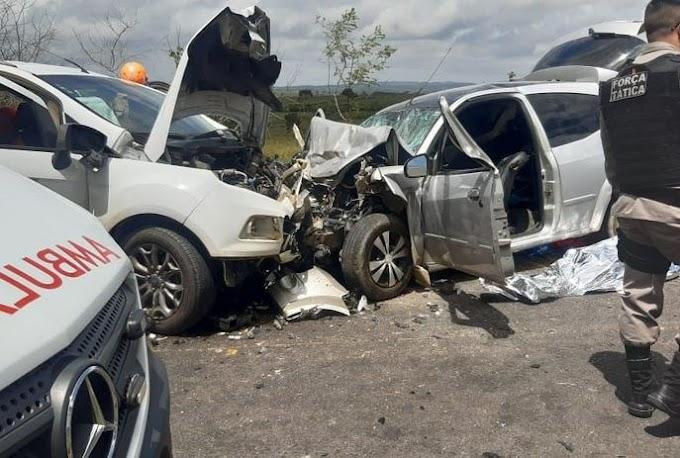 Acidente entre carros em Brejo - MA deixa um morto e quatro crianças feridas