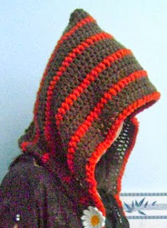 http://www.mazkwok.com/2013/09/free-crochet-pattern-forest-girl-hood.html