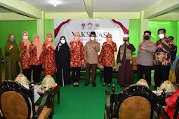 Naoemi Octarina dan Nadiah Zainuddin Amali Hadiri Vaksinasi di Pesantren An-Nahdlah Makassar