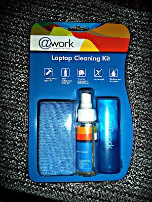 b84e6668ce4 Περιέχει 1 καθαριστικό spray σε τζέλ μορφή στα 35ml, ενα πανάκι με  μικροίνες και ενα καθαριστικό πινελάκι κατάλληλο για ...