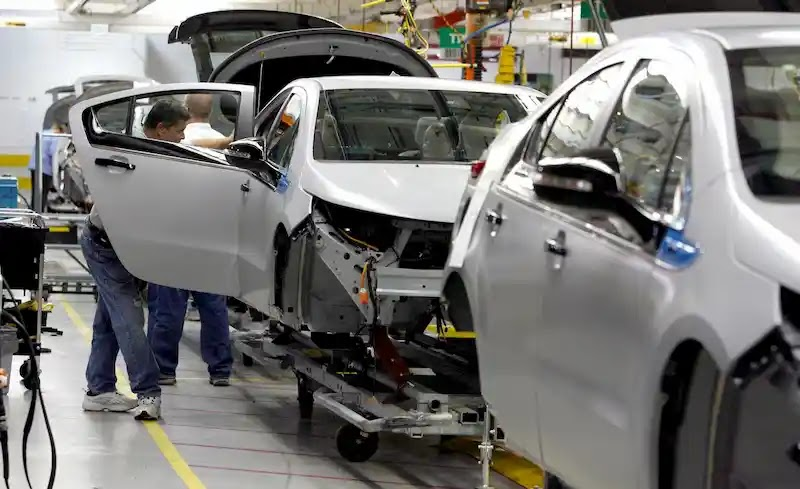 المواد البلاستيكية الفائقة المستخدمة في صناعة السيارات