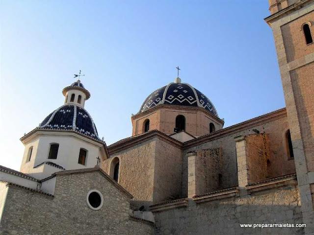la Iglesia de Altea típica del mediterráneo