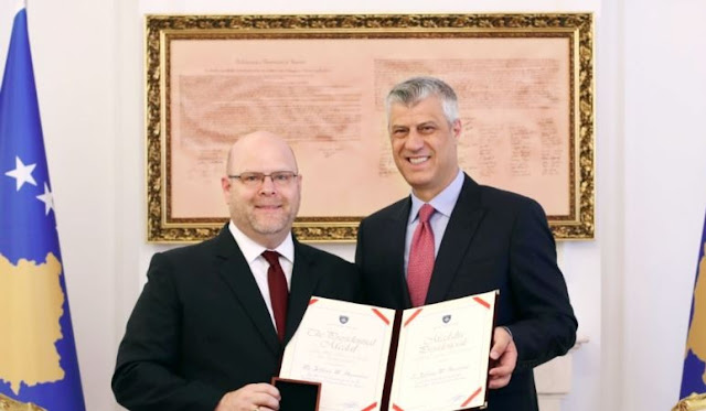 Thaci decorates US diplomat Jeffrey Hovenier with Presidential Medal