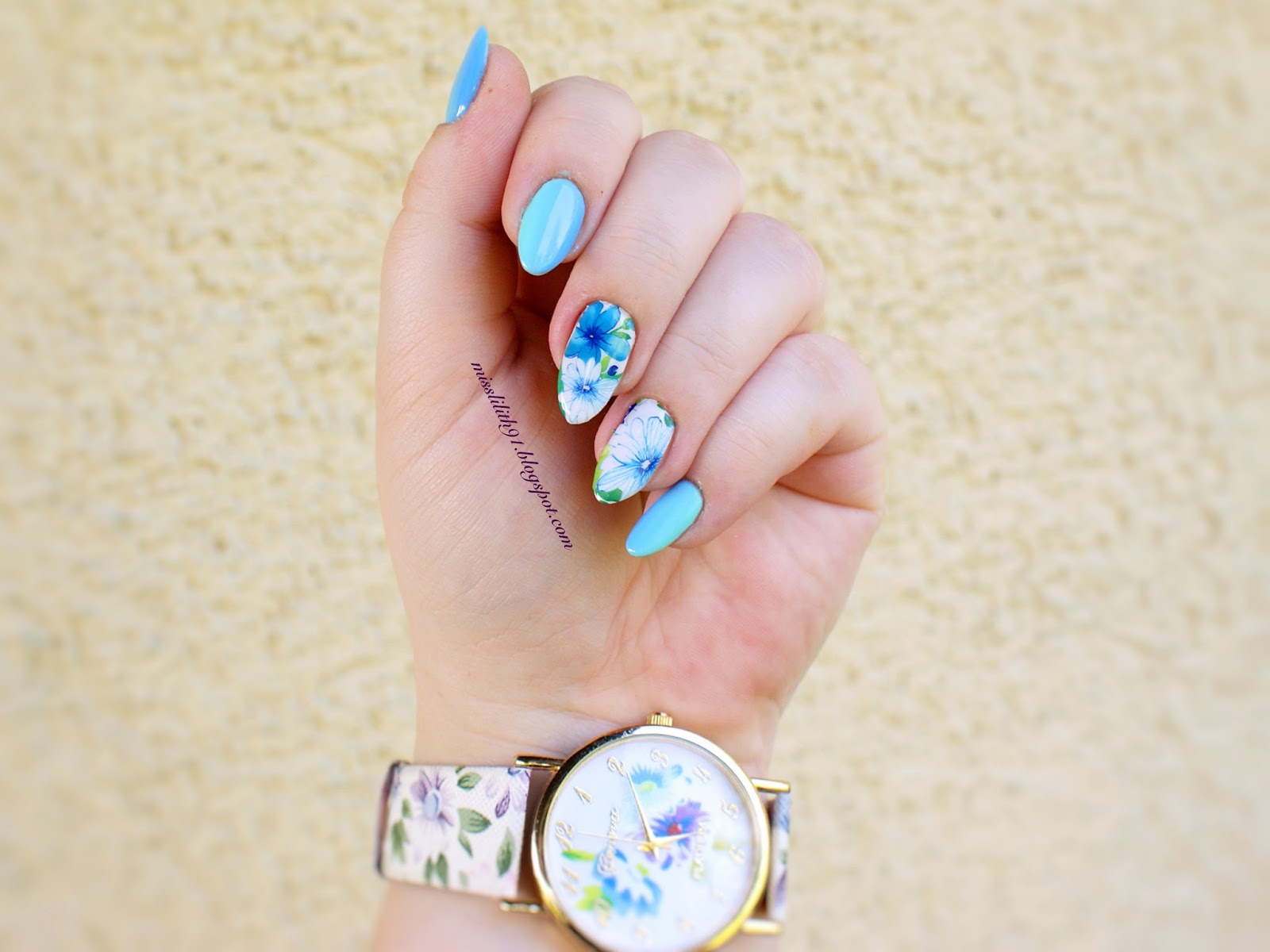 Jak naklejać naklejki wodne na całe paznokcie?