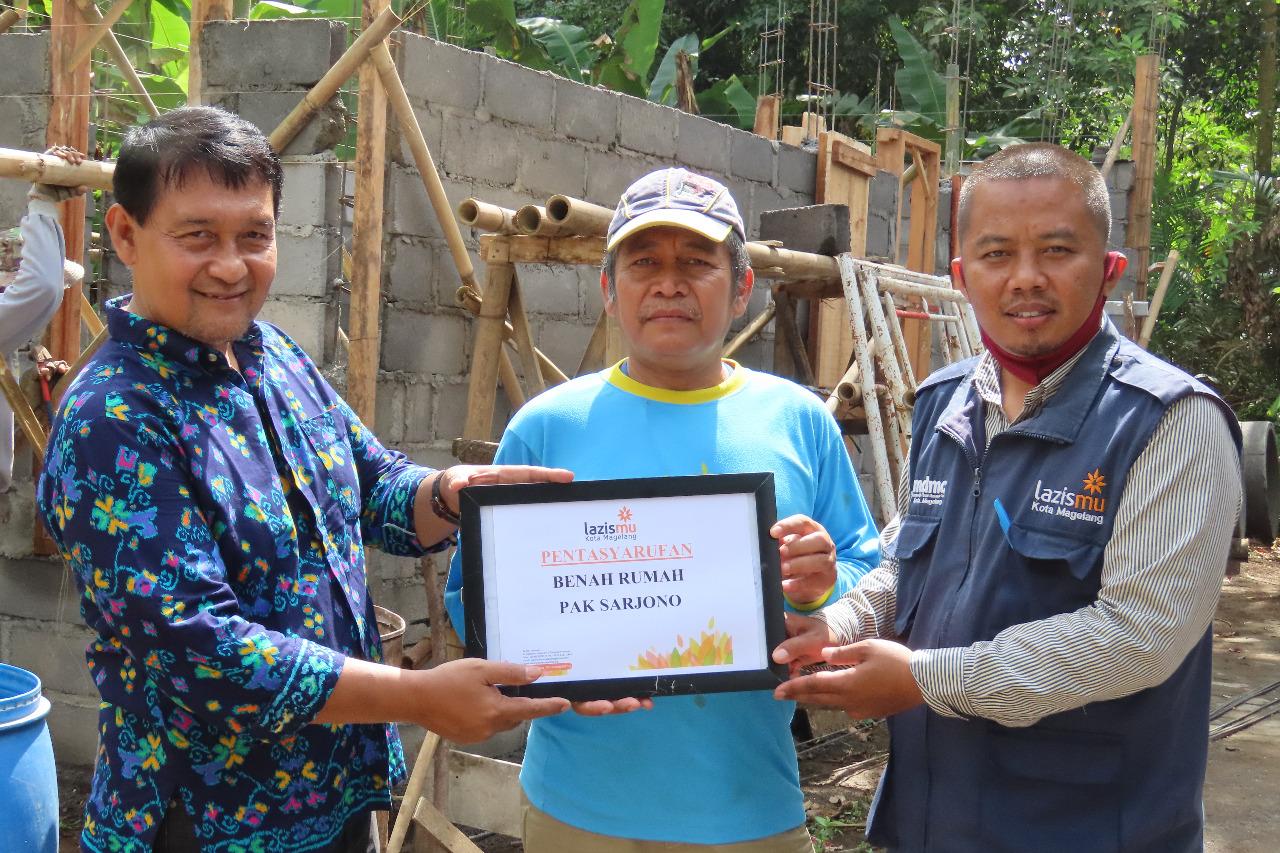 Lazismu Kota Magelang Bantu Wujudkan Rumah Layak Huni Guru Ngaji
