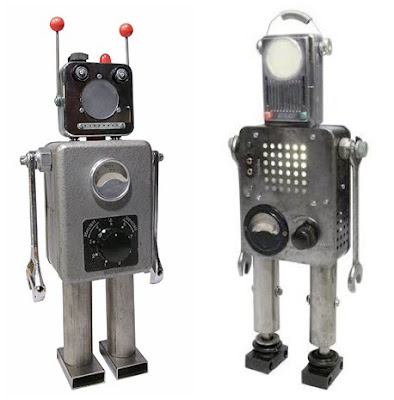 Lamparas y robots construidos con desechos industriales