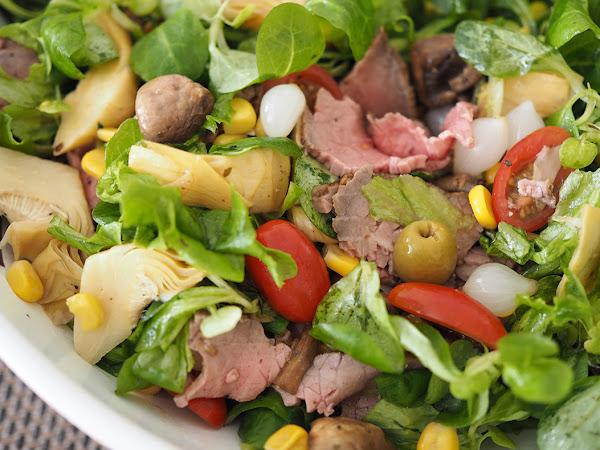 Ruokaisa raikas paahtopaistisalaatti