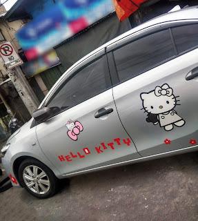 No Parking Hello Kitty