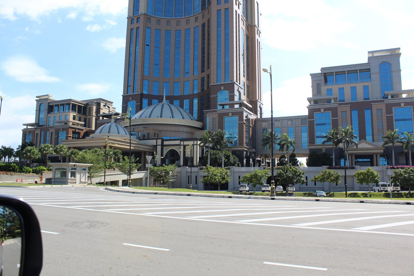 Pusat Pentadbiran Negeri Sabah Tersergam Indah