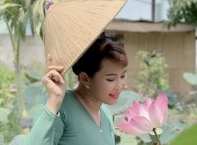 Thôn Vô Ưu ngát hương đời- Nhật Quang