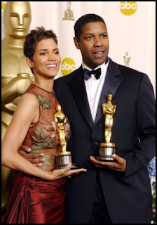 Halle Berry y Denzel Washington en los Oscars 2002