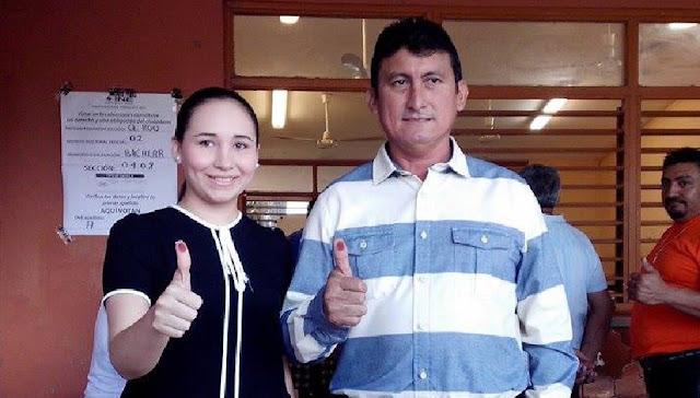 """El candidato de la alianza PAN, PRI y PRD """"Va por Quintana Roo"""", José Alfredo Contreras Méndez """"Chepe"""" falleció  rumbo al hospital tras un accidente con su vehículo, que volcó, y donde murió su esposa Rosina Castillo Rodríguez."""