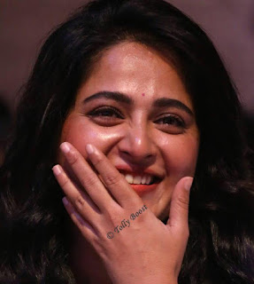 lore Actress Anushka Shetty Oily Face Closeup Pictures (1)