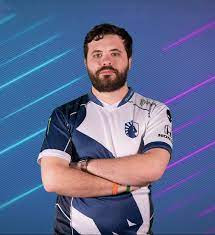 Hungrybox Girlfriend, Biography , Merch And Net Worth: How Old Is Twitch Star?
