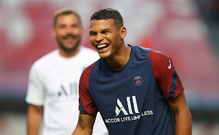 PSG trying late attempt to convince Thiago Silva to stay