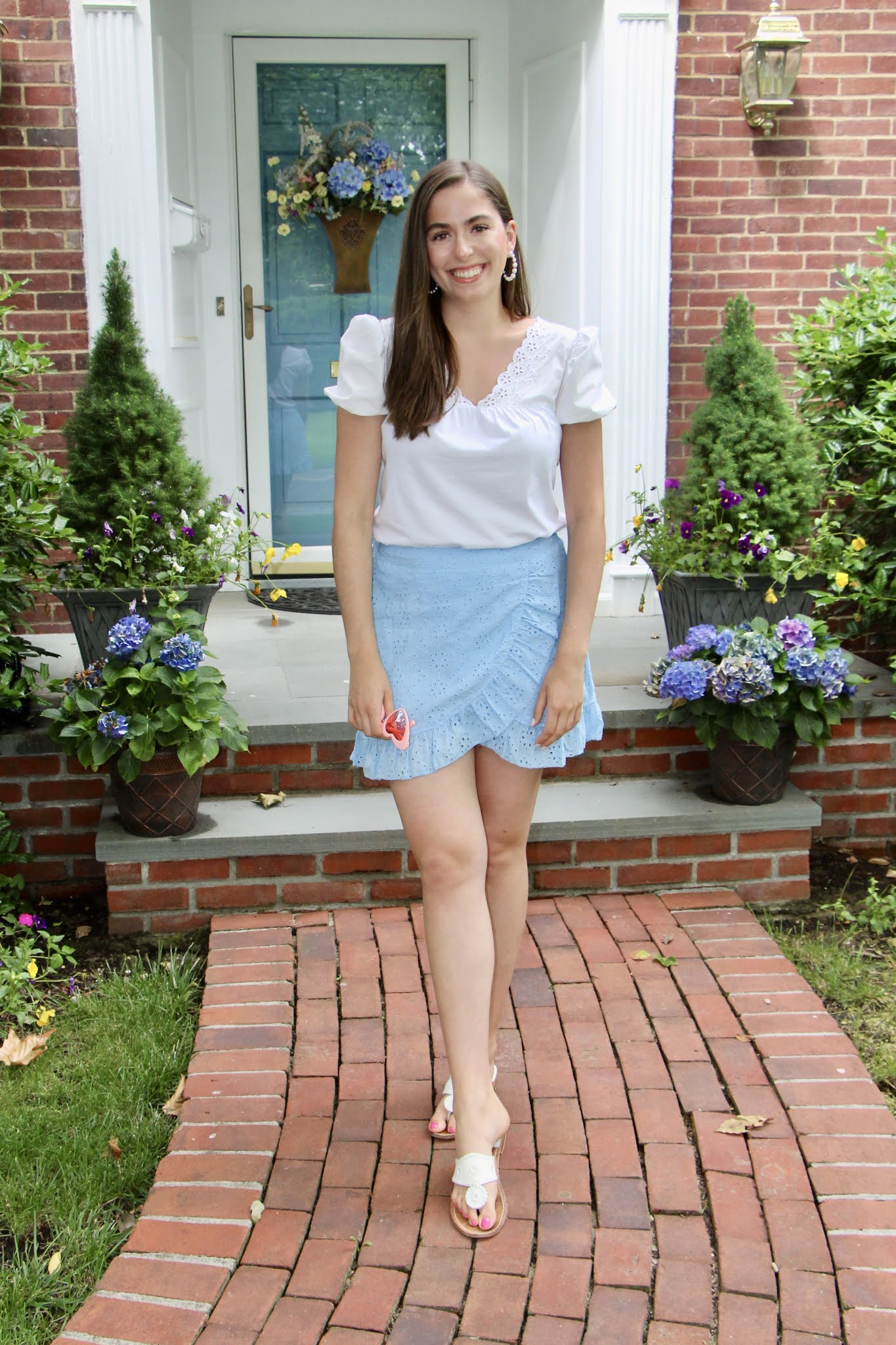 white puff sleeve top, summer outfit, casual summer outfit, boohoo skirt, jack rogers