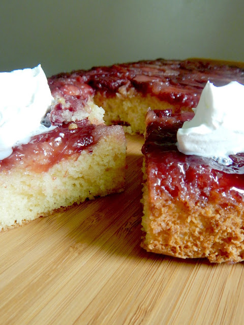 strawberry upside down cake (sweetandsavoryfood.com)