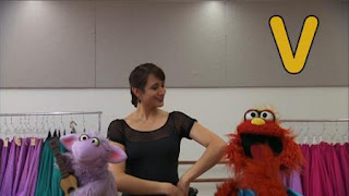 Murray and Ovejita Sesame Street sponsors letter V, Sesame Street Episode 4404 Latino Festival season 44