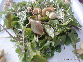 Σαλάτα ρόκα με κάσιους - Arugula salad with cashews