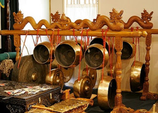 contoh-musik-tradisional-dan-modern,-perbedaan-musik-daerah-dan-musik-nusantara,-yang-membedakan-musik-daerah-dengan-musik-nusantara,-
