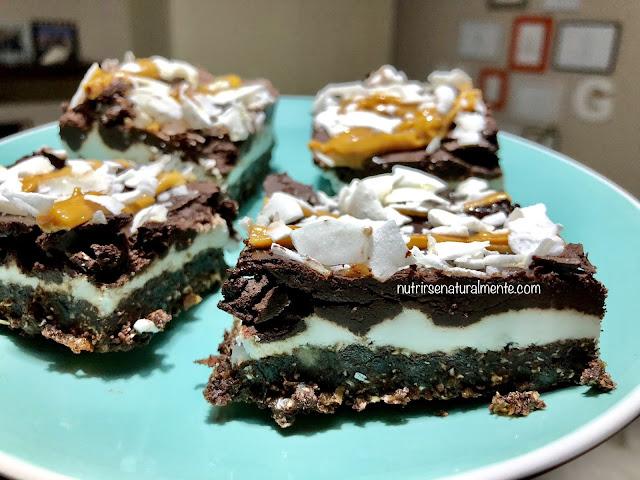 cuadrados veganos de coco y chocolate