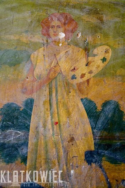 Grudziądz. Kamienica. Klatka schodowa. Malowidło z malarką.