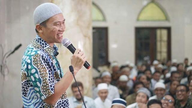 Ketawadukan Ustadz Felix Siauw