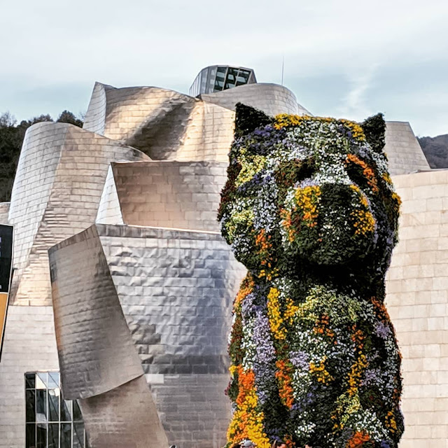 Things to see in Bilbao: The Puppy outside the Guggenheim Bilbao