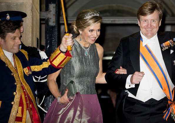 Queen Máxima, Princess Margriet and Princess Beatrix attend annual gala dinner. Diamond tiara