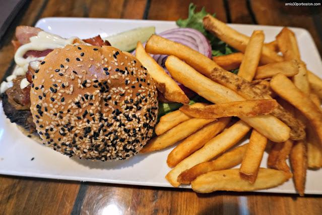 The Real Burger King en la Taberna Tuckaway Tavern en New Hampshire
