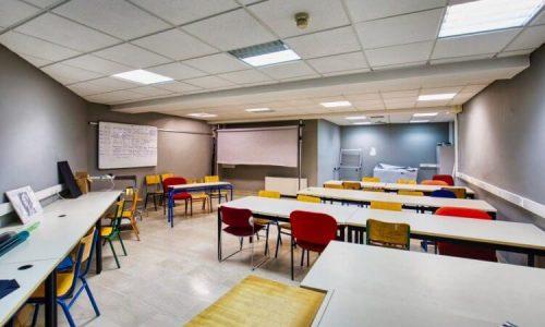 Ανακοινώθηκαν οι νέες ειδικότητες που θα λειτουργήσουν στο Δημόσιο ΙΕΚ Ιωαννίνων το έτος κατάρτισης 2021 -2022. Οι εγγραφές θα ξεκινήσουν τέλος Αυγούστου και θα ολοκληρωθούν περί τα μέσα Σεπτεμβρίου. Η φοίτηση στα Δημόσια ΙΕΚ είναι δωρεάν.