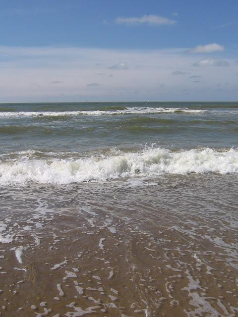 Genieten aan de zee met mooi weer   (c) Koen Goossens