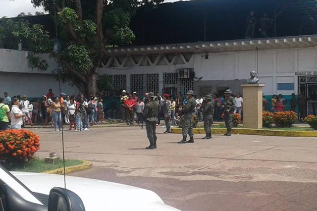 Ministerio de Justicia toma una cárcel y mata a 37 reclusos