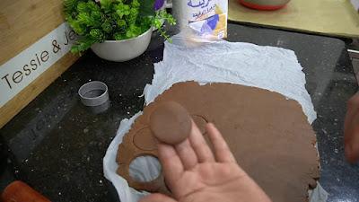 مطبخ ام وليد _ صابلي لاميداي بالشوكولا بعجينة بنتها بنة 😋الا مجربتيهاش ماجربتي والو .......😍