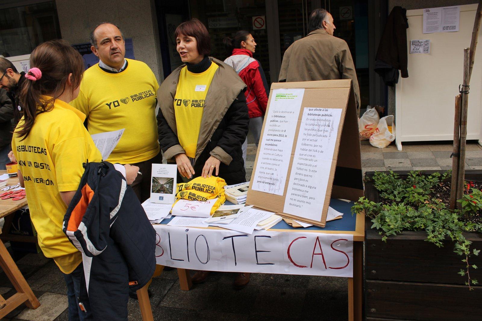 Campaña recogida de firmas contra Presupuesto 0