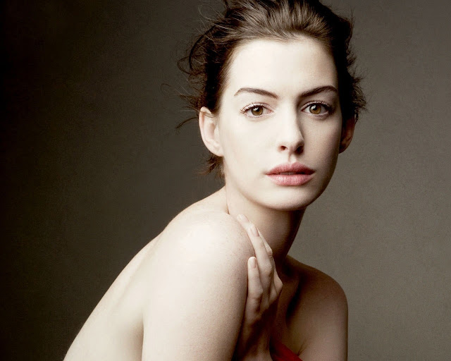 Anne Hathaway Wallpaper HD