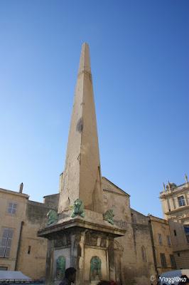 Obelisco in Plae de la Republique