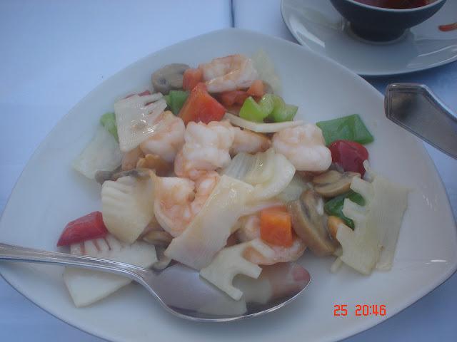 Restaurant Khong Tsha : Garnelen frittiert mit Mandeln und Gemüse