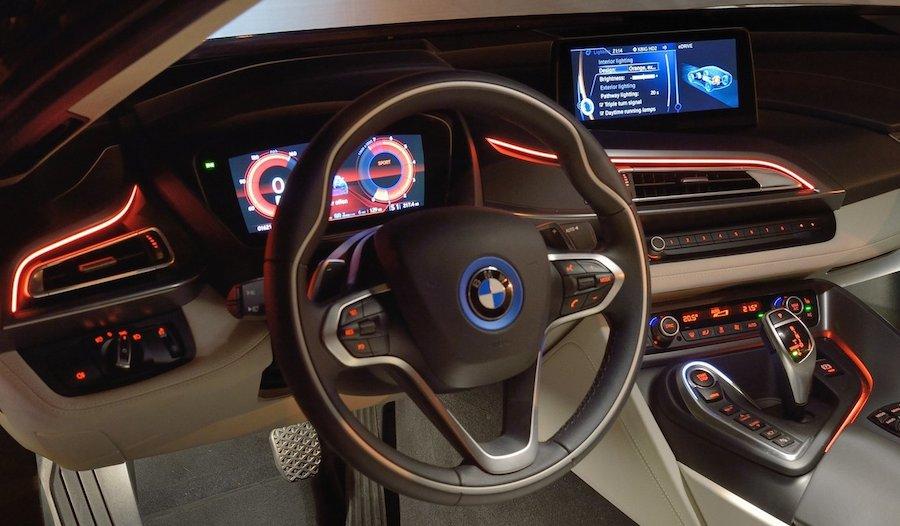 BMW「i8」のインパネ。