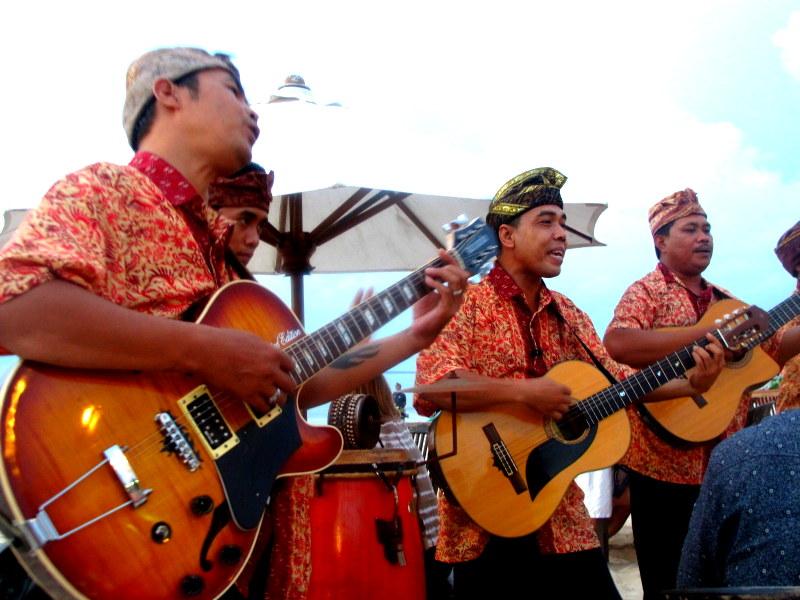 Live singing @ Jimbaran Beach