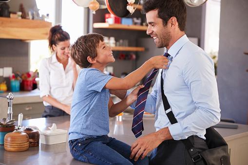 Pentingnya Ajarkan Adab Pada Anak