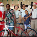 Quarto Batalhão realiza entrega dos presentes do Papai Noel às crianças da Pastoral do Menor.