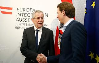 رئيس النمسا يلمح إلى قدرة بلاده على استقبال دفعة جديدة من اللاجئين