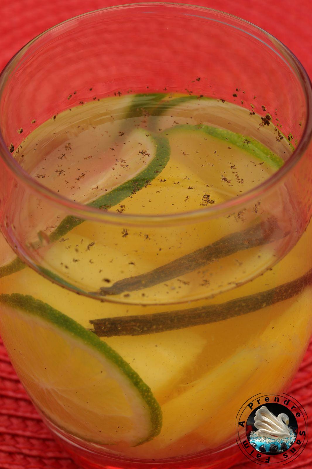 Eau détox ananas vanille citron vert