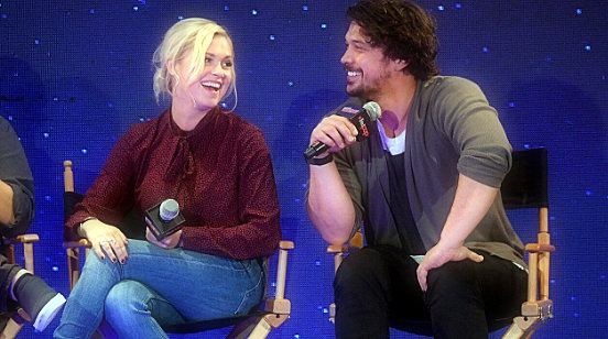 'The 100' stars Eliza Taylor and Bob Morley announce that they were secretly married